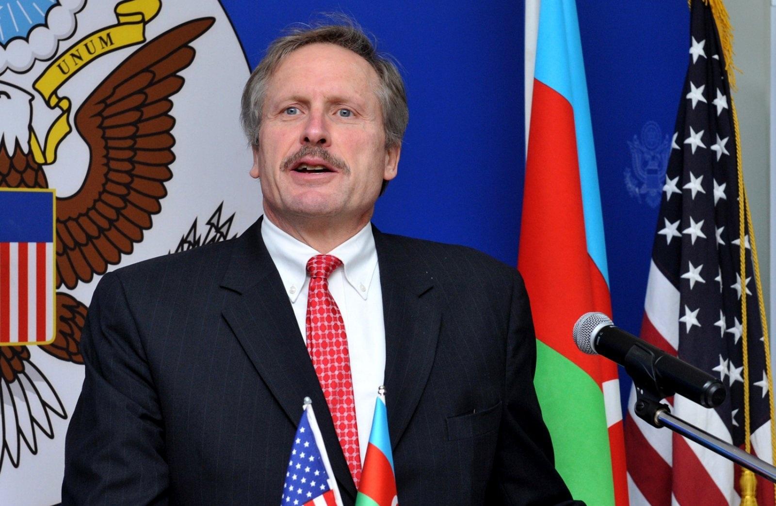Bako Saakyan ABŞ-a ile ilgili görsel sonucu